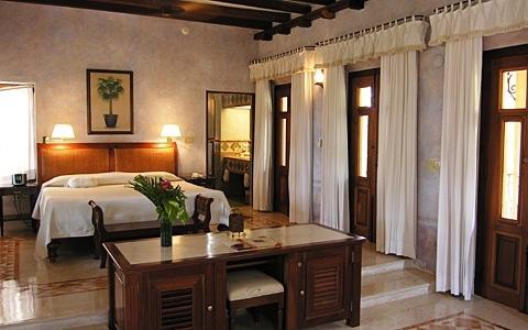 Habitaciones hacienda xcanatun for Imagenes de habitaciones de hoteles de lujo