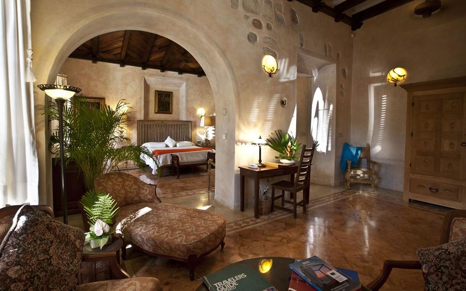 Habitaciones hacienda xcanatun for Case con due master suite