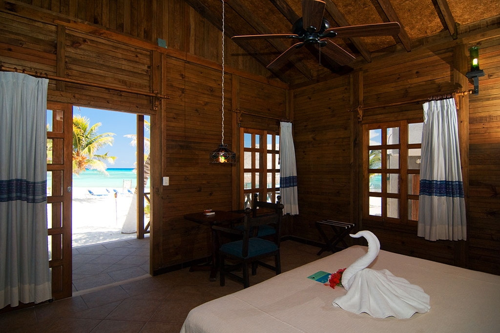 Ocean front BUNGALOW - King bed