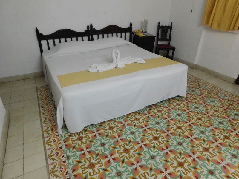 COLONIAL 1 KING SIZE