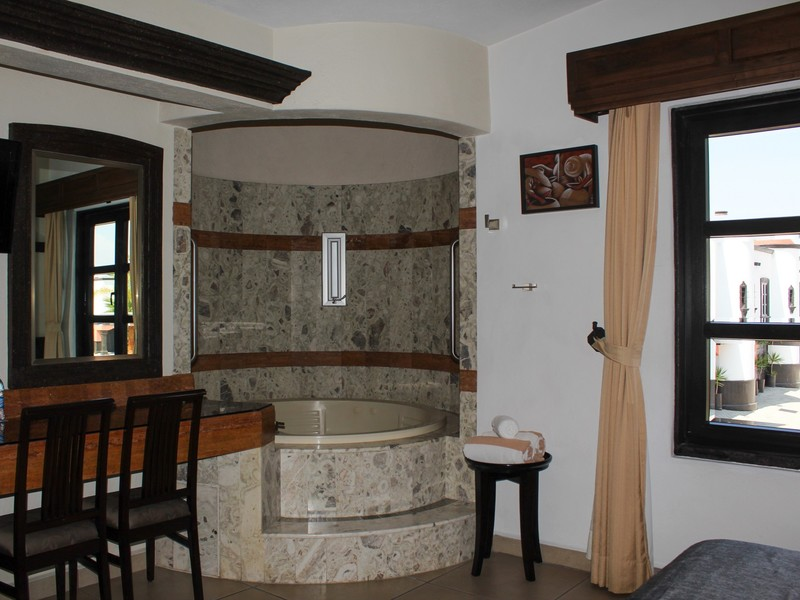 JUNIOR SUITE C/JACUZZI