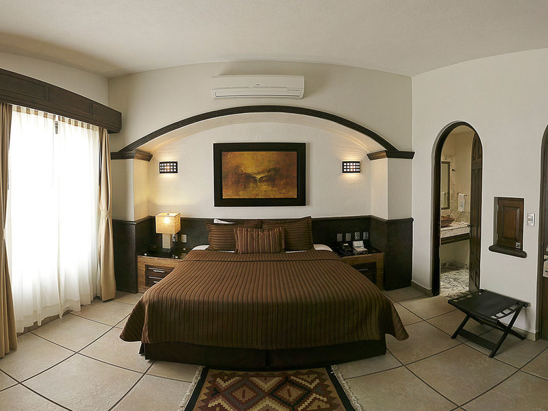 JUNIOR SUITE W / JACUZZI