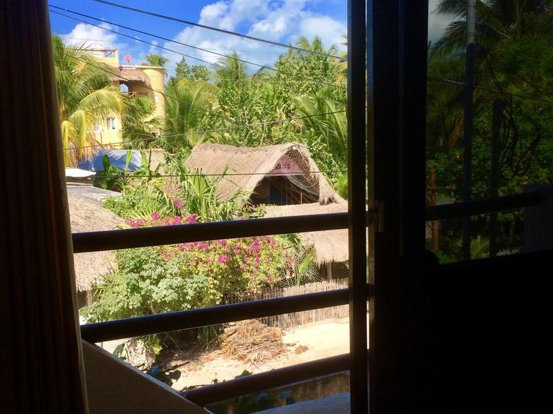 Habitación VIP con vista a la calle.