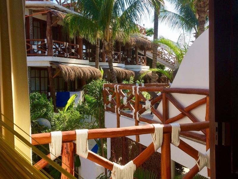 Habitación VIP con vista a la piscina