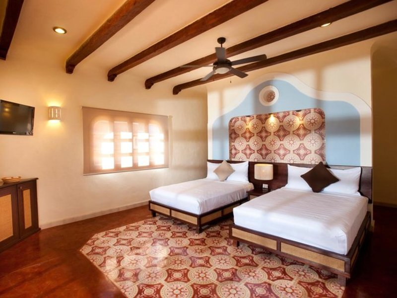 DELUXE 2 BEDS