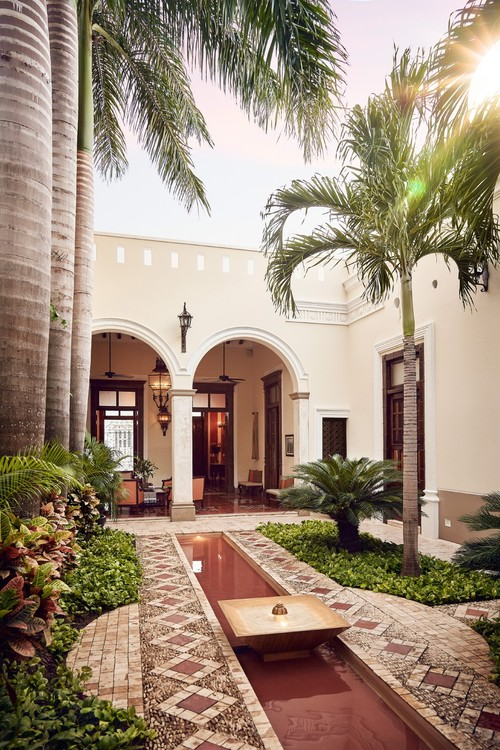 Casa Lecanda Boutique Hotel